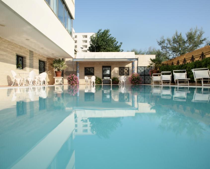Pescara hotel 4 stelle con piscina montesilvano abruzzo - Hotel merano 4 stelle con piscina ...