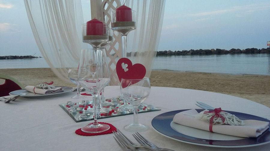 Dettaglio cena in spiaggia